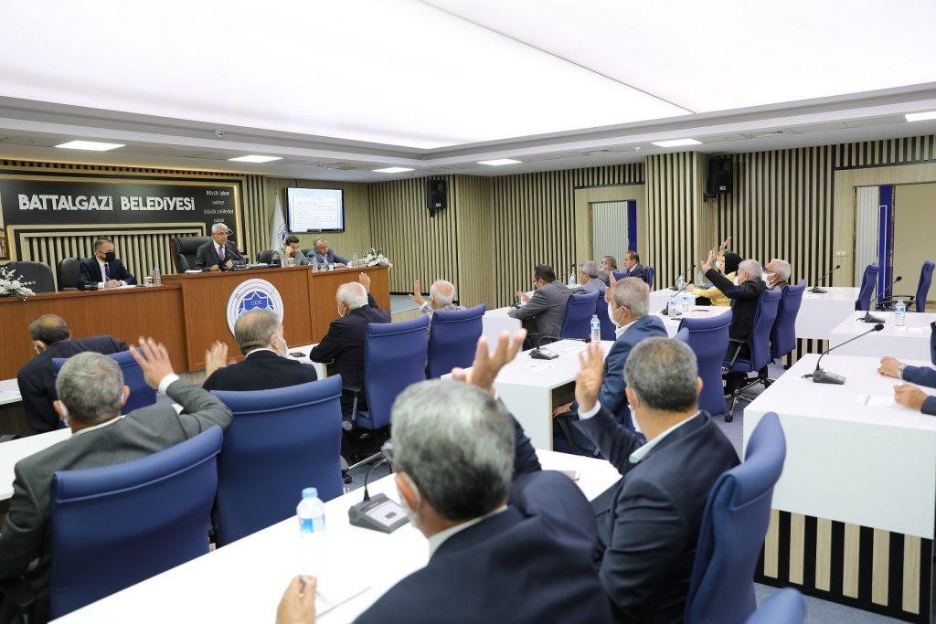 Başkan Güder, Mecliste İki Müjde Birden Verdi
