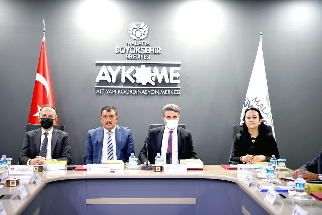 Arslantepe Höyüğü Alanına Yapılacak Çalışmalarla İlgili Toplantı Yapıldı